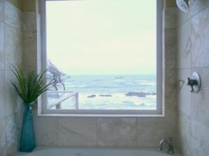 Master bathroom with turquoise decor