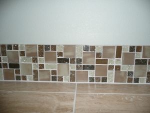 beautiful mosaic glass tile backsplash