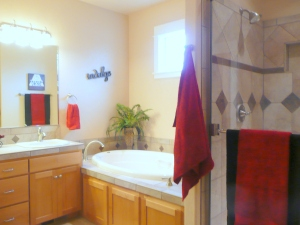 master bath staged by Creative Concepts Salem Oregon